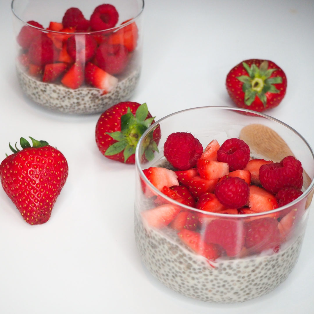 Entremets aux graines de chia et fruits rouges